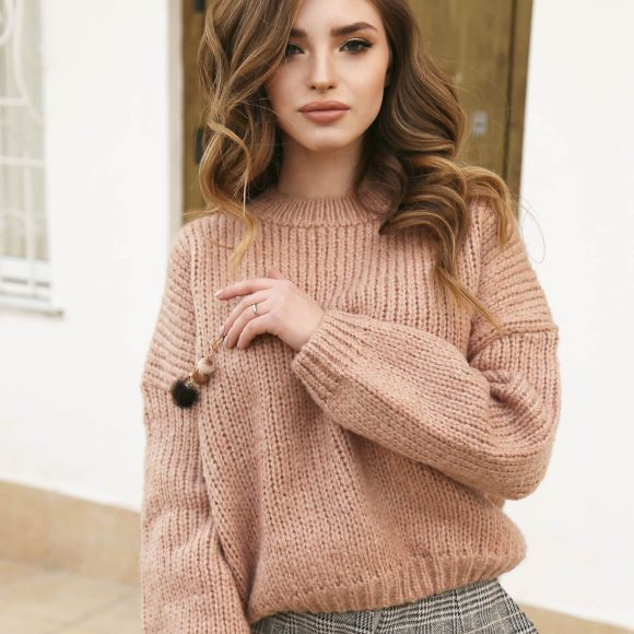 Trendy Sweaters for This Winter